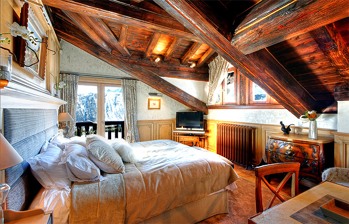 Chalet Christophe (Master Bedroom) - COUCHEVEL